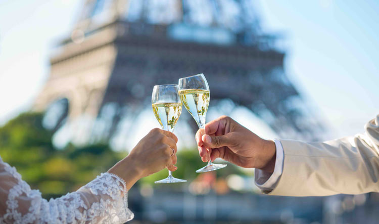 Glass of Champagne during the private Luxury Boat Cruise on the Seine River