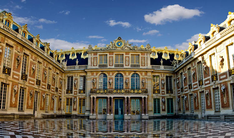 Versailles Castle Front Wall